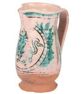 Bicchieri, boccali e brocche in terracotta in stile medievale. Fatti a mano.