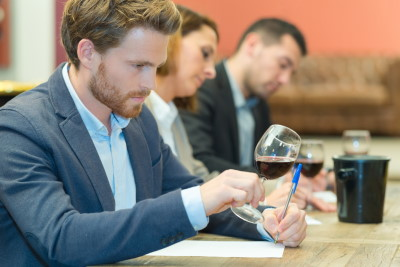 How to organize a wine tasting course