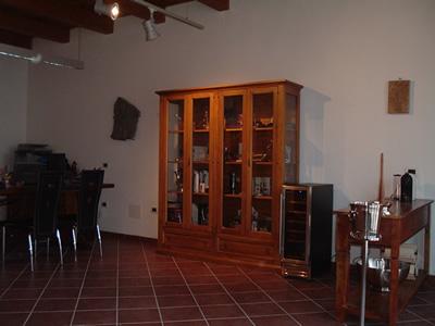 show room intorno al vino