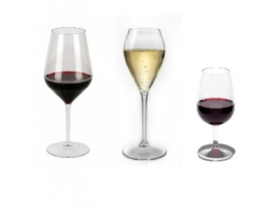 Elegant plastic glasses for outdoor wine tasting
